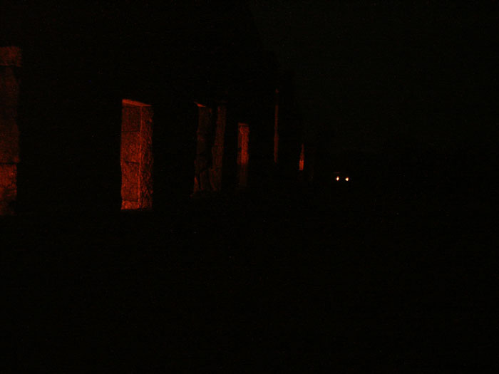 028-chausath-yogini-mandir-night
