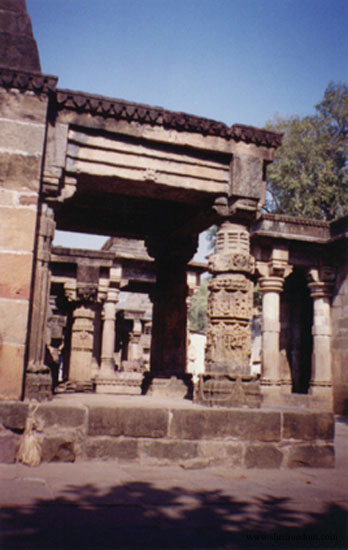 023-omkareshwar-temple