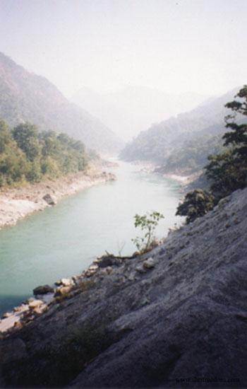 046-ganga-at-rishikesh